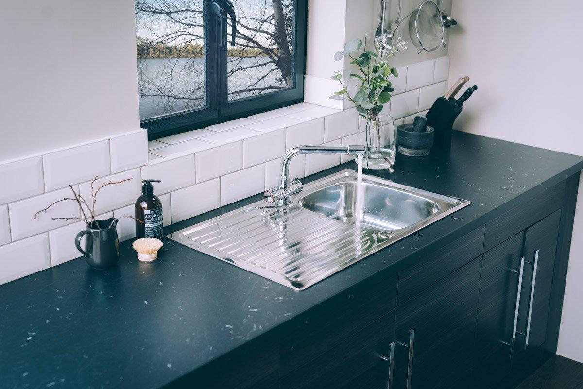 Valle Hudson 860x500mm Single Bowl Compact Kitchen Sink - Stainless ...
